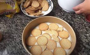 passo 04 Pavê Simples de Biscoito de Maizena